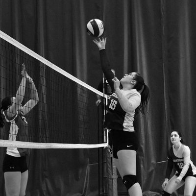 Joueuse de volleyball en action